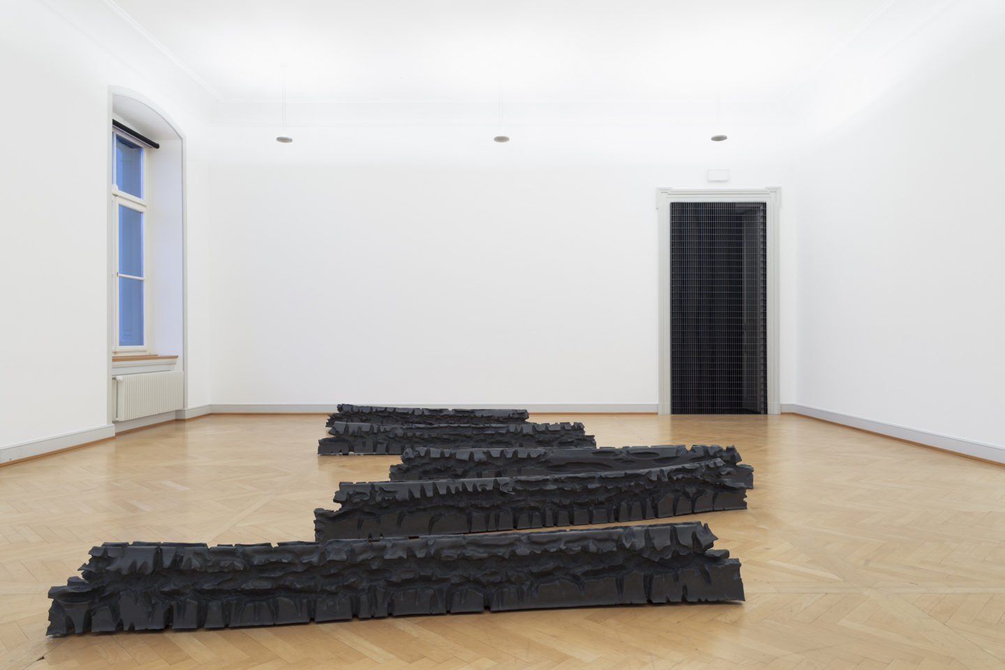 """Installation View Raphael Hefti """"Dr. Sattler: So, what are you thinking? Dr. Grant: We're out of a job. Dr. Malcom: Don't you mean extinct? 2018"""" at Kunstmuseum St. Gallen /  Photo: Gunnar Meier / Courtesy the artist"""