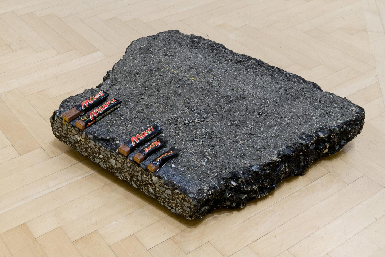 """Installation View Nina Beier """"Mars, 2018"""" at Kunstmuseum St.Gallen /  Photo: Sebastian Stadler / Courtesy: the artist"""