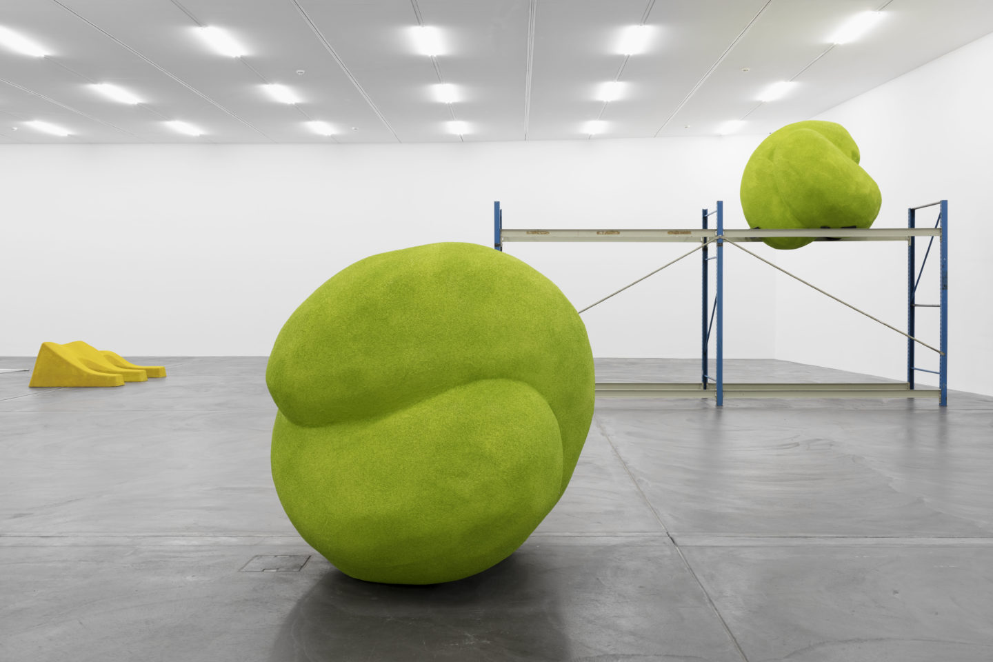 """Exhibition view, Lena Henke """"An Idea of Late German Sculpture; To the People of New York, 2018"""", Kunsthalle Zürich, 2018 / Photo: Gunnar Meier Photography"""