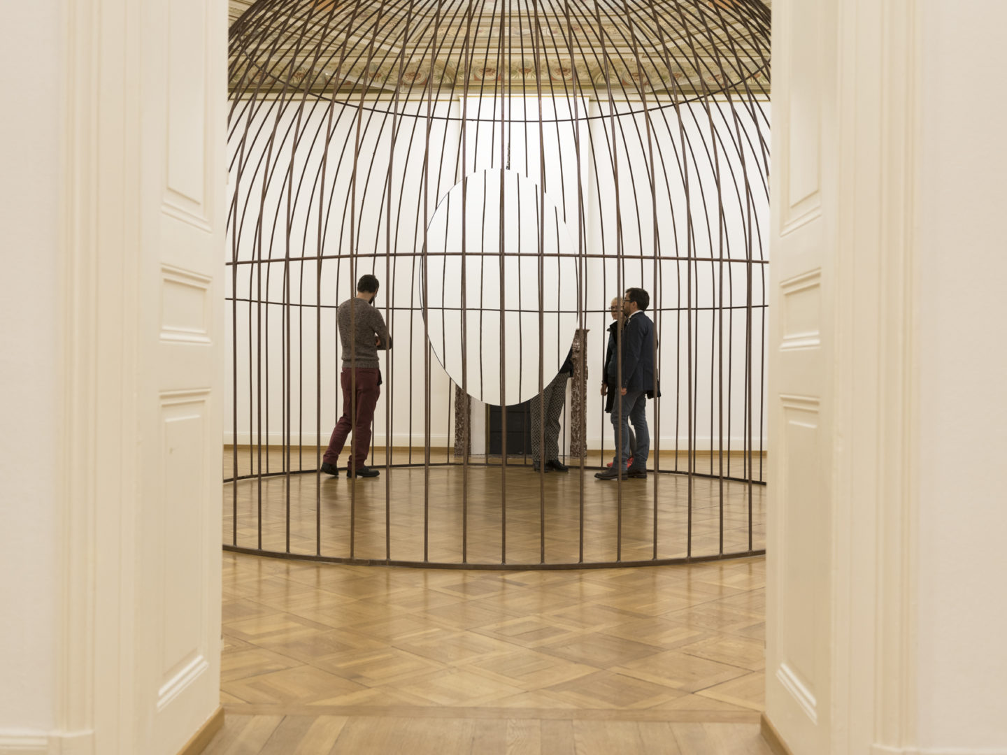 """Exhibition view Jeppe Hein """"Inhale, Hold, Exhale"""" at Kunstmuseum Thun, 2018 / Photo: Ian G. C. White / Courtesy: the artist"""