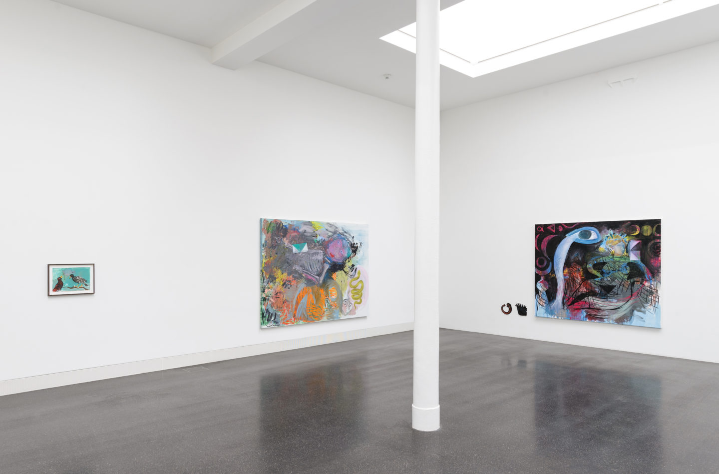 """Installation View Lucy Stein """"Knockers"""" at Galerie Gregor Staiger, Zurich / Courtesy: the artist and Galerie Gregor Staiger, Zurich"""