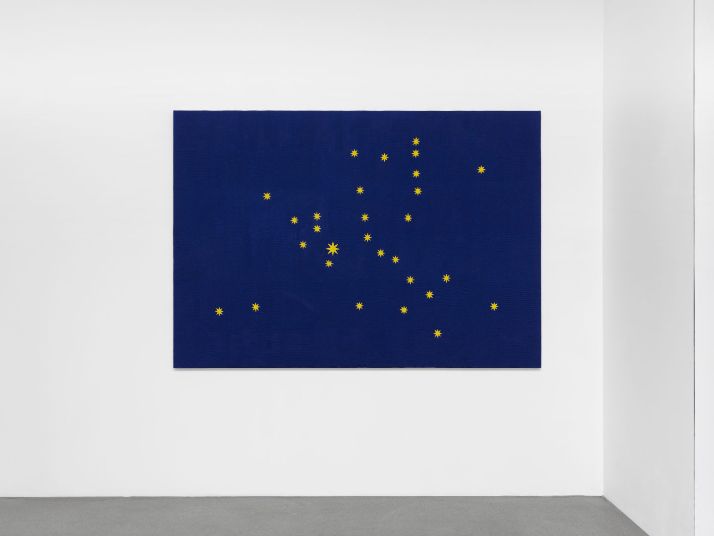 Exhibition View Mitchel Anderson «Recurrence (A Flag For Europe), 2018» at Galerie Maria Bernheim, Zurich / Photo: Annik Wetter / Courtesy: the artist and Galerie Maria Bernheim