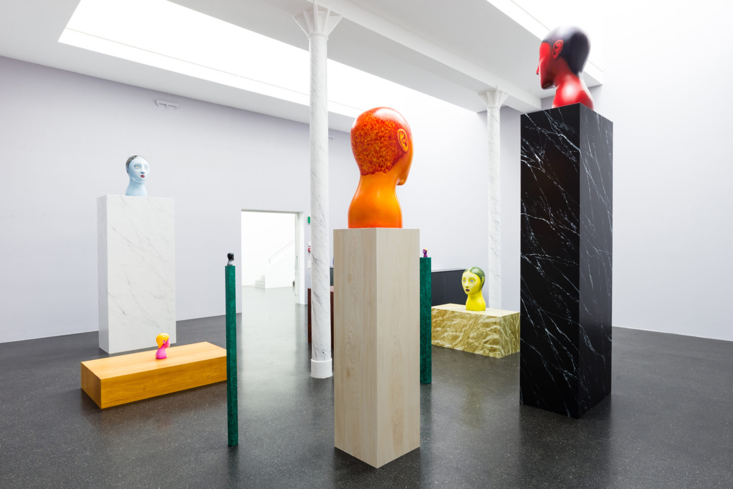 Exhibition View Nicolas Party «Heads» at Galerie Gregor Staiger, Zurich, 2018 / Courtesy: the artist and Galerie Gregor Staiger,  Zurich