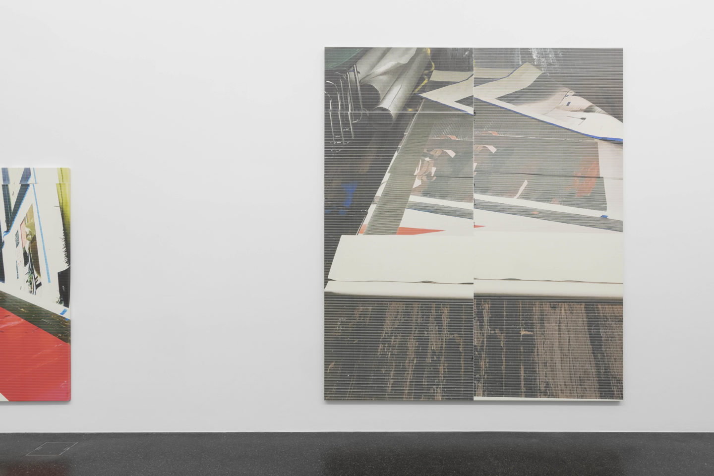 Exhibition View Wade Guyton «Fire and Fury» at Galerie Francesca Pia, Zurich, 2018 / Photo: Gunnar Meier / Courtesy: the artist and Galerie Francesca Pia, Zurich