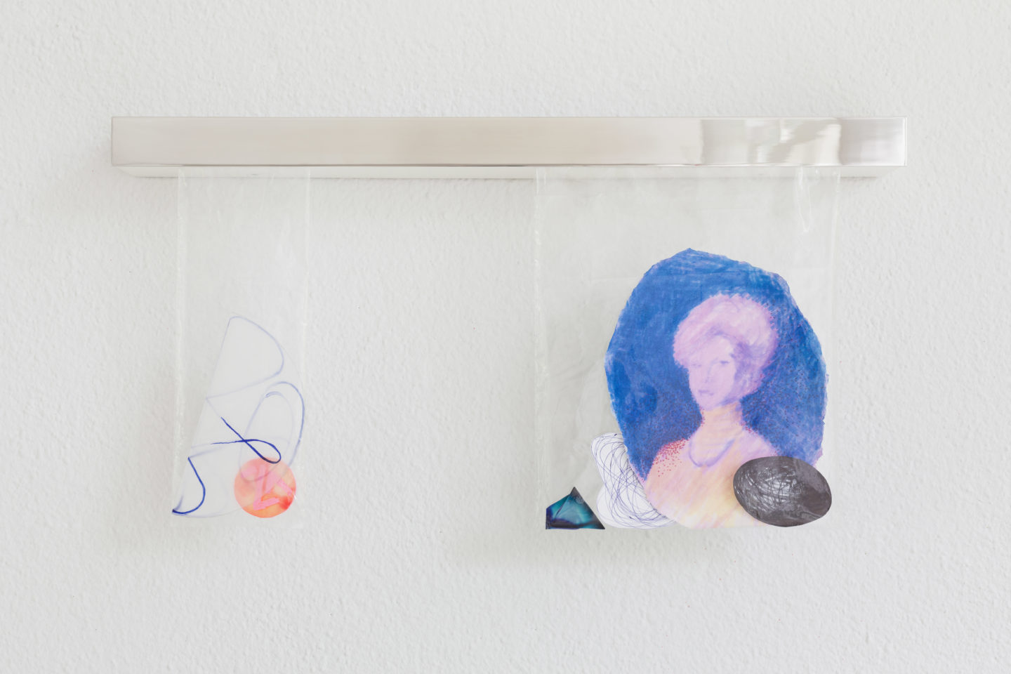 Exhibition View Bonnie Camplin «EPIC TIME – Sweetie Bags (Sister from Another Mister), 2018» at Kunsthaus Glarus / Photo: Gunnar Meier / Courtesy: the artist and Kunsthaus Glarus