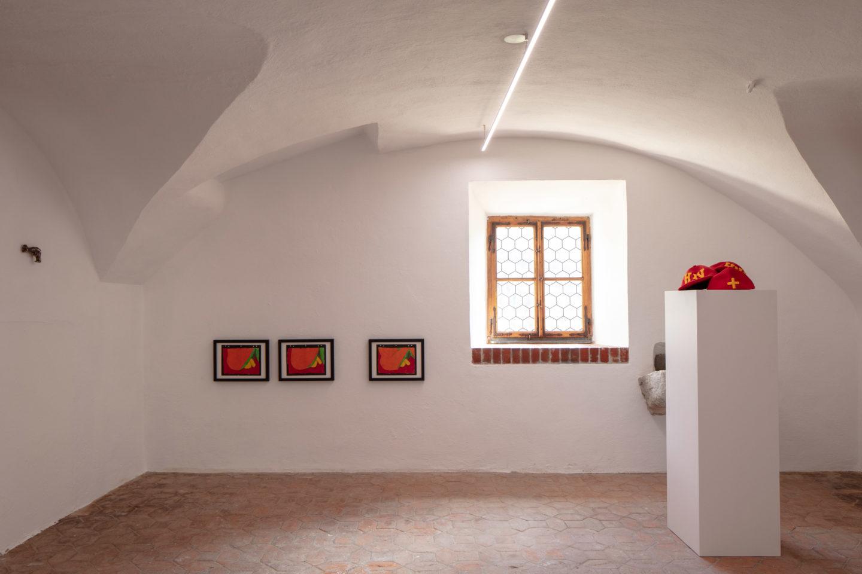 Installation View «FRIENDS» with Frederick Einhorn, Keith Haring, Cady Noland and Not Vital at Fundaziun Not Vital, Tarasp 2018 / Photo: Eric Gregory Powell / Courtesy: Fundaziun Not Vital