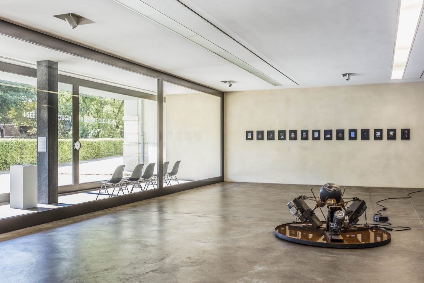 Exhibition View Groupshow «Zeitspuren – The Power of Now / view on Julian Charrière, Weight of Time, 2016 and Stéphanie Saadé, Moongold Series, 2016-18» at PASQUART, Biel/Bienne, 2018 / Photo: Gunnar Meier / Courtesy: Günther Vogt and Courtesy Marfa' Projects