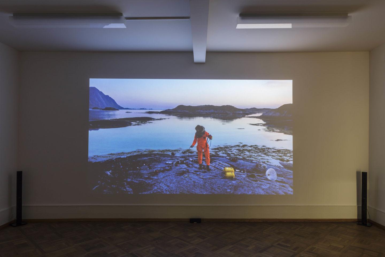 Exhibition View Groupshow «Zeitspuren – The Power of Now with Ursula Biemann» at PASQUART, Biel/Bienne, 2018 / Photo: Gunnar Meier