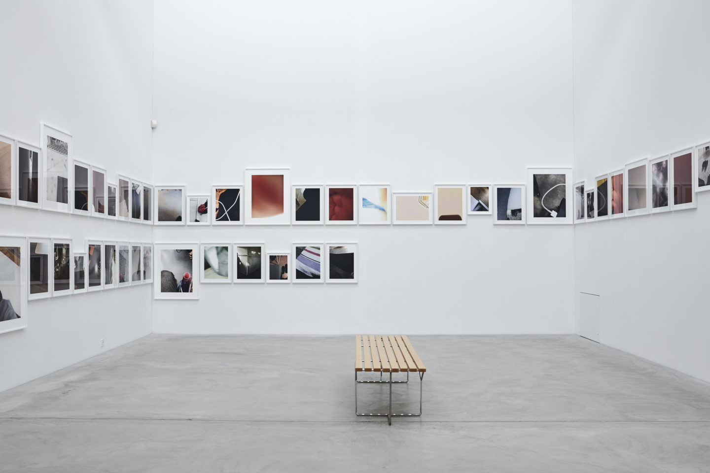 Exhibition View Karin Sander Soloshow «view on Call Shots, 2013-18» at Kunstmuseum Winterthur / Photo: Lucas Ziegler / Courtesy: the artist and Galerie nächst St. Stephan