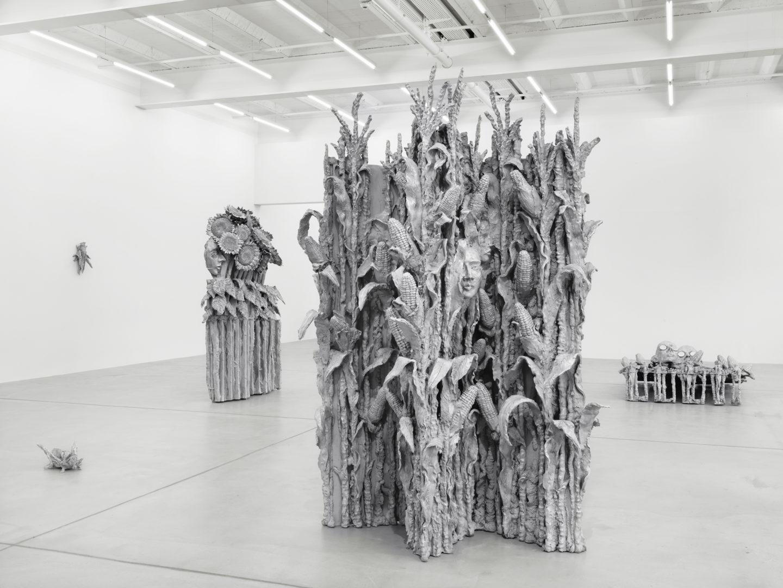 Exhibition View Jean-Marie Appriou «November» at Galerie Eva Presenhuber, Zurich, 2018 / Photo: Stefan Altenburger / © Jean-Marie Appriou / Courtesy the artist and Galerie Eva Presenhuber, Zurich / New York