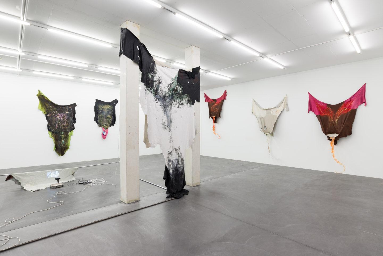 Exhibition View Raphaela Vogel «Gregor's Loch» at Galerie Gregor Staiger, Zurich, 2018 / Courtesy: the artist, Galerie Gregor Staiger, Zurich & BQ, Berlin / © the artist & Galerie Gregor Staiger, Zurich