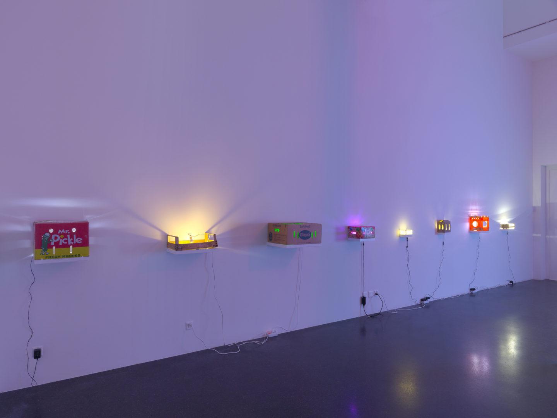 Exhibition View Groupshow «Lampen» at Galerie Francesca Pia, Zurich, 2018 / Photo: Annik Wetter / Courtesy: the artists and Galerie Francesca Pia