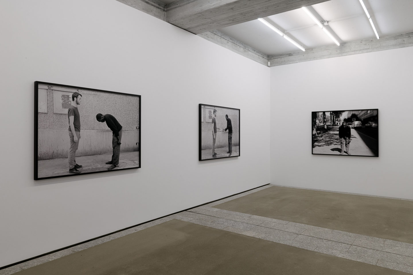 Exhibition View Groupshow «The Humans; view on Artur Zmijewski, In Between, 2018» / Photo: Sebastian Stalder / Courtesy: the artist and Galerie Peter Kilchmann, Zürich