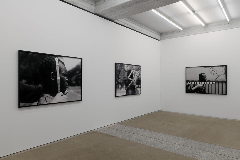 Exhibition View Groupshow «The Humans; view on Artur Zmijewski, In Between, 2018» / Photo: Sebastian Stalder / Courtesy: the artist and Galerie Peter Kilchmann, Zürich