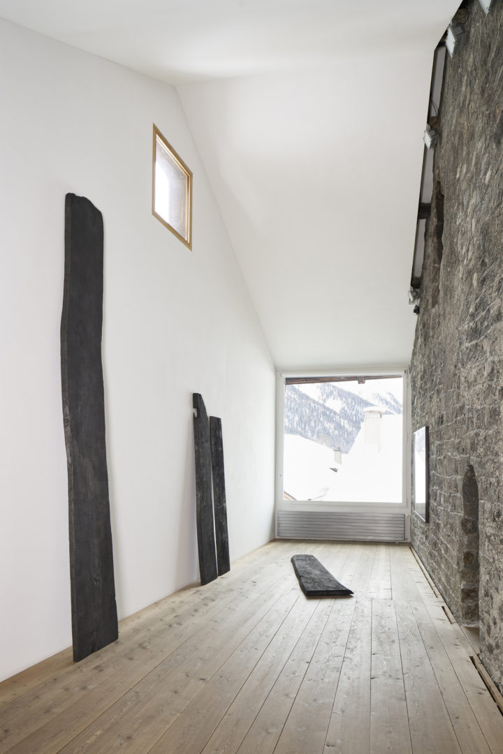 Installation View Julian Charrière «Ever Since We Crawled Out» at Galerie Tschudi, Zuoz / Photo: Ralph Feiner / Courtesy: the artist and Galerie Tschudi, Zuoz