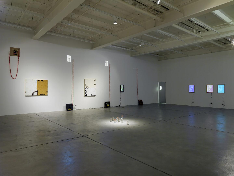 Exhibition View «No Thing: Pope.L, Adam Pendleton» at Galerie Eva Presenhuber, Zurich, 2019 / © Pope L. / Photo: Stefan Altenburger / Courtesy: the artist and Galerie Eva Presenhuber, Zurich / New York