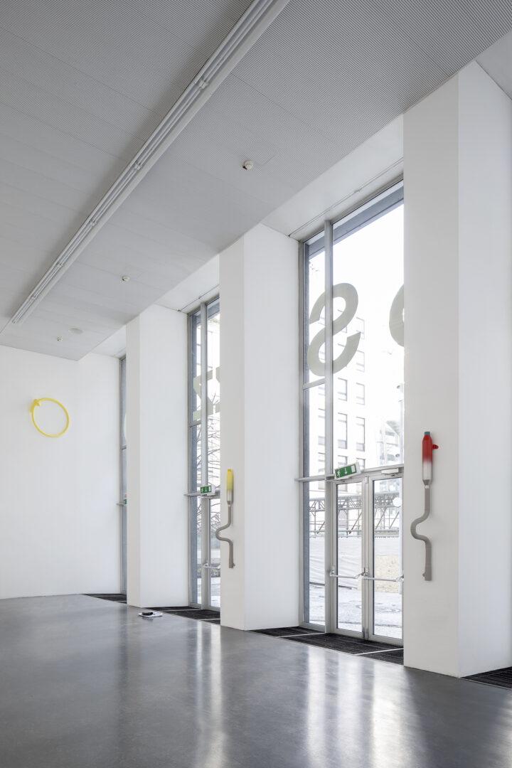 Exhibition View Alfredo Aceto Soloshow «Sequoia 07» at Istituto Svizzero, Milano / Photo: Giulio Boem / Courtesy: the artist and Istituto Svizzero, Milano