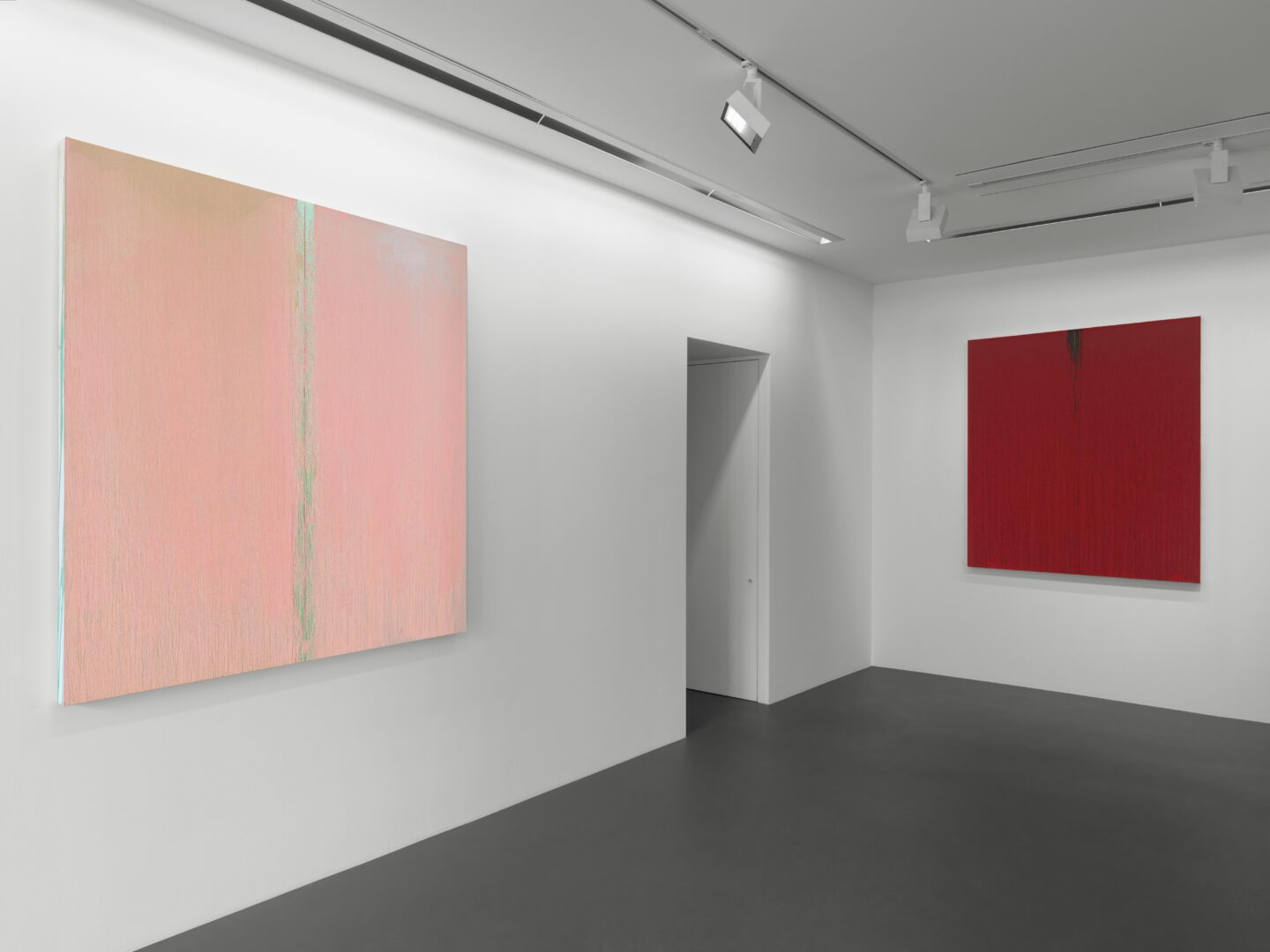 Exhibition View Pat Steir Soloshow «Paintings» at Vito Schnabel Gallery, St. Moritz, 2019 / © Pat Steir / Photo: Stefan Altenburger / Courtesy: the artist and Vito Schnabel Gallery