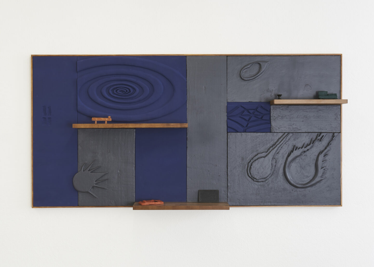 Exhibition View Groupshow «Either it is raining or it is not (at a particular space and time) ; view on Loucia Carlier» at WallRiss, Fribourg, 2019 / Photo: Guillaume Baeriswyl