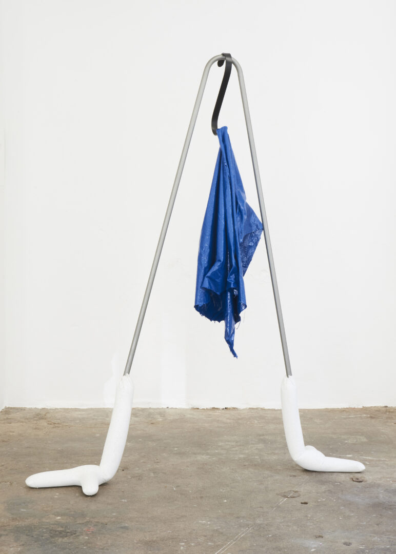 Exhibition View Groupshow «Either it is raining or it is not (at a particular space and time) ; view on Christopher Füllemann, Deep zip blue, 2017» at WallRiss, Fribourg, 2019 / Photo: Guillaume Baeriswyl
