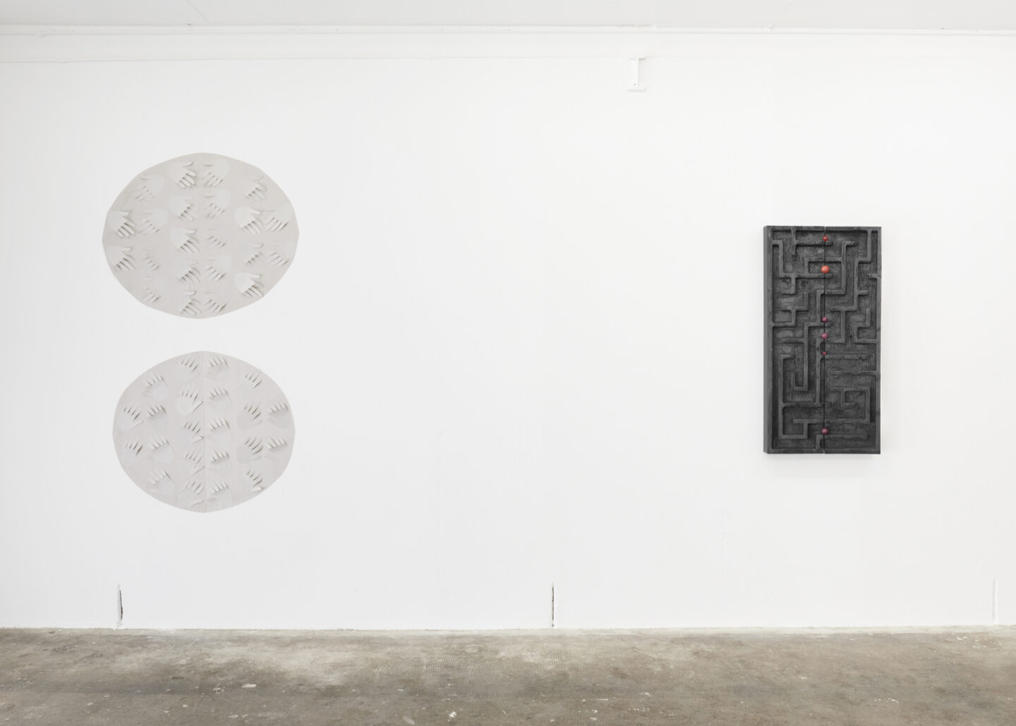 Exhibition View Groupshow «Either it is raining or it is not (at a particular space and time)» at WallRiss, Fribourg, 2019 / Photo: Guillaume Baeriswyl