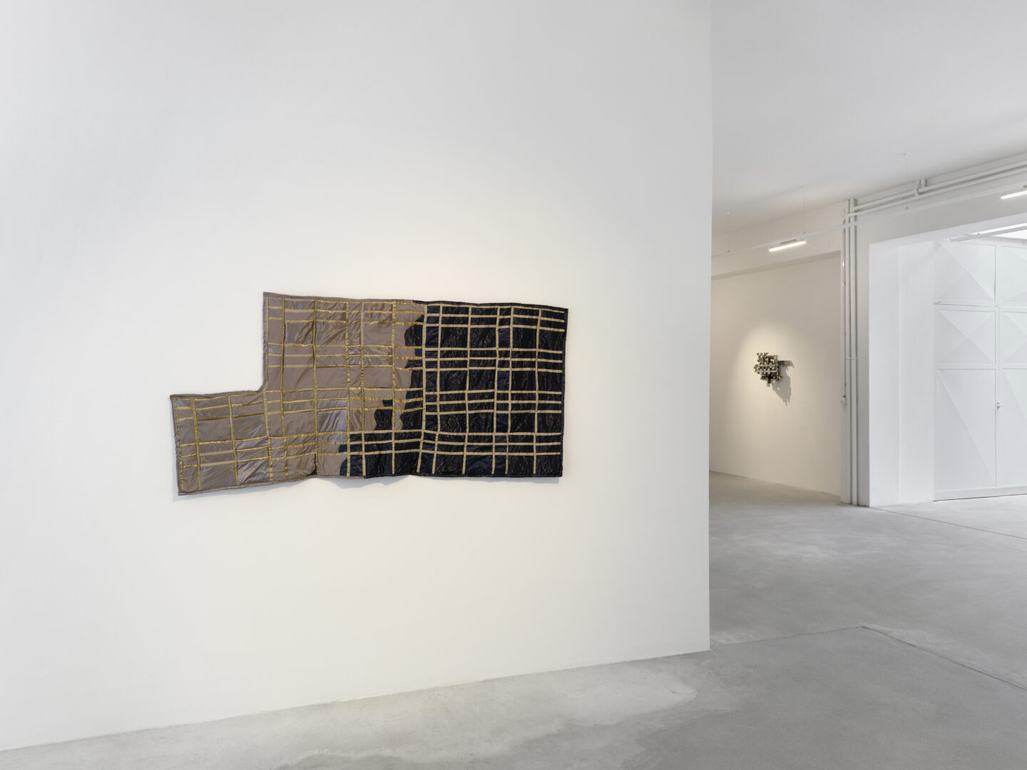Exhibition View Anne Libby Soloshow «Form Constant» at Ribordy Thetaz, Geneva, 2019 / Photo: Annik Wetter / Courtesy: the artist and Ribordy Thetaz