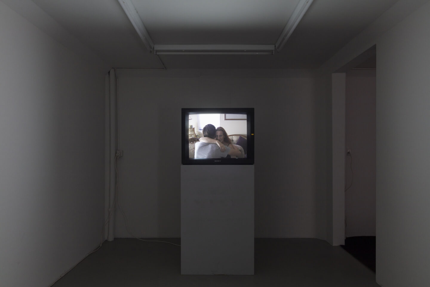 Exhibition View Groupshow «On Fire – Vulnerable Footage ; view on Leigh Ledare, Shoulder, The Gift, The Model (all 2007)» at SALTS, Birsefelden, Basel, 2019 / Photo: Gunnar Meier / Courtesy: the artist, Basler Dokumentartage and SALTS