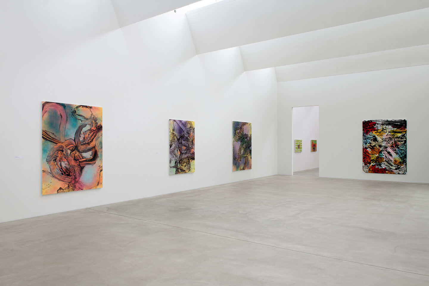 Exhibition View Groupshow «Frozen Gesture ; view on Judy Millar, Untitled, 2018, Untitled 2018, Without Yesterday, 2018 and Be Do Be Do IV, 2013 (Courtesy: the artist and Galerie Mark Müller, Zurich)» at Kunstmuseum Winterthur, 2019 / Photo: Sebastian Stadler