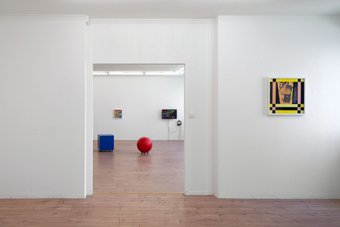 Exhibition View Keren Cytter Soloshow «Size Matters» at HAMLET, Oerlikon, Zurich / Photo: Flavio Karrer / Courtesy: the artist and HAMLET