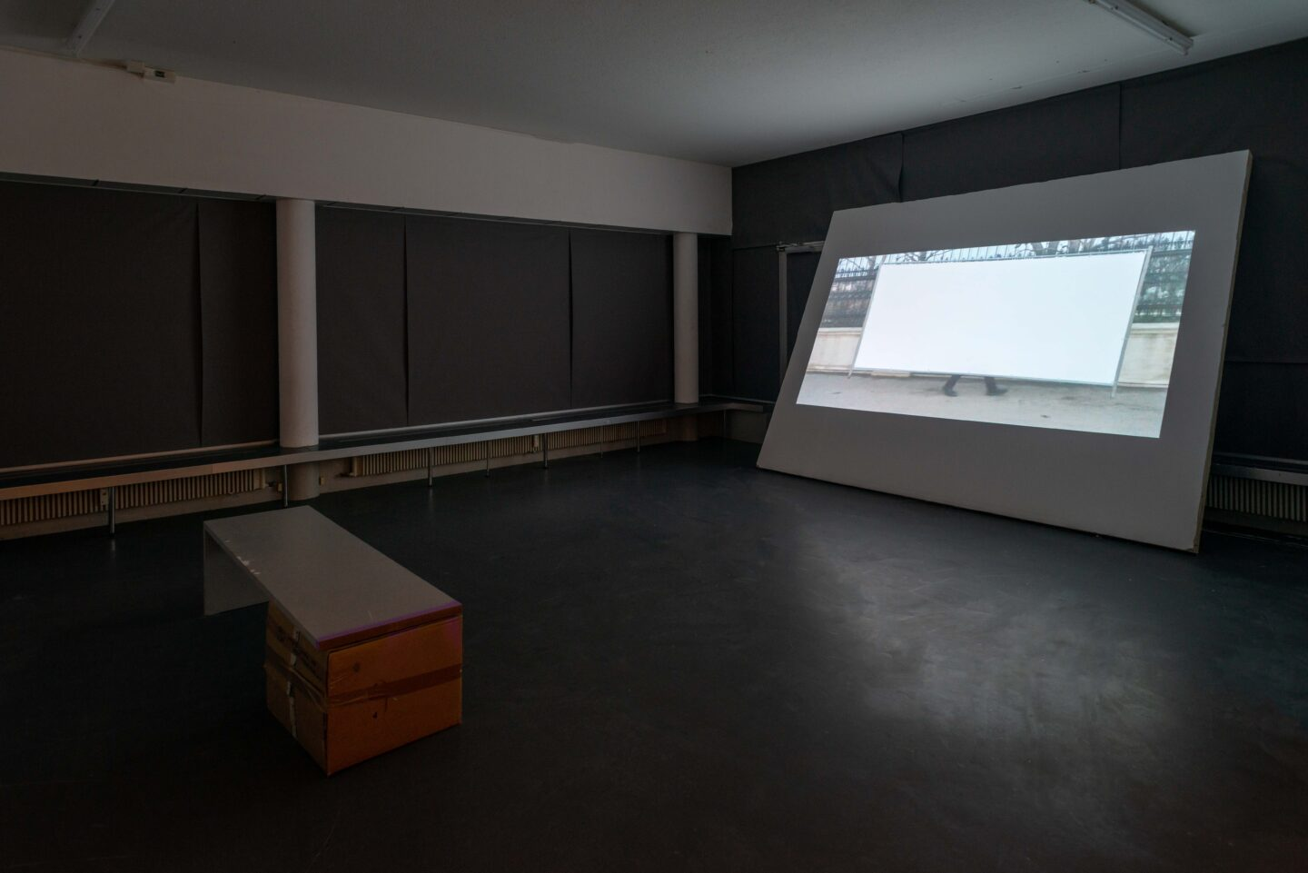 Exhibition View Klara Lidén Soloshow «Now Two Three» at Weiss Falk, Basel, 2019 / Photo: Flavio Karrer / Courtesy: the artist and Weiss Falk