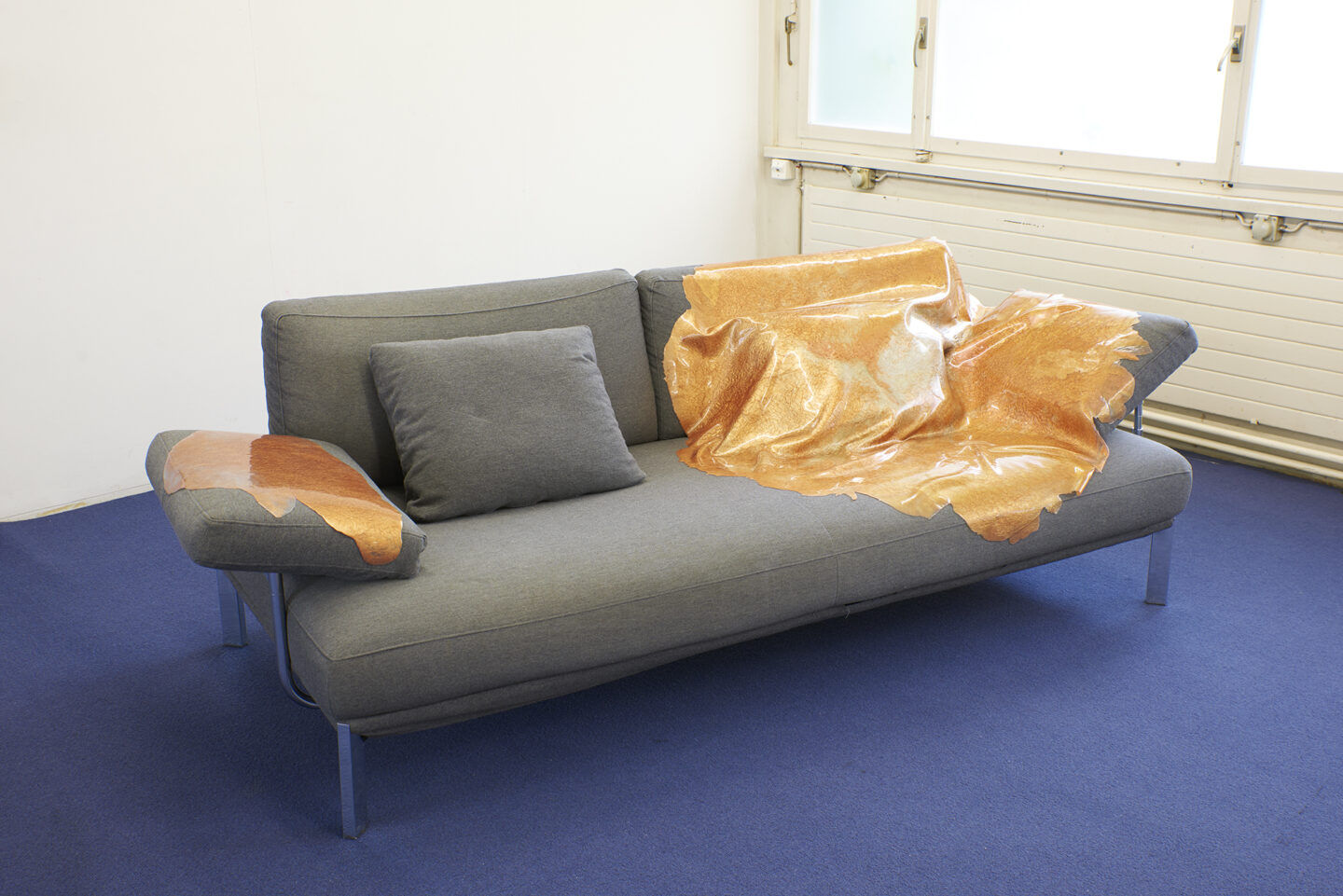 Exhibition View Groupshow «Spiral Arms; view on Ceylan Öztrükflat, flat dragon, sofa edition, 2019» at Longtang, Zurich, 2019 / Photo: James Bantone / Courtesy: the artists and Longtang, Zurich