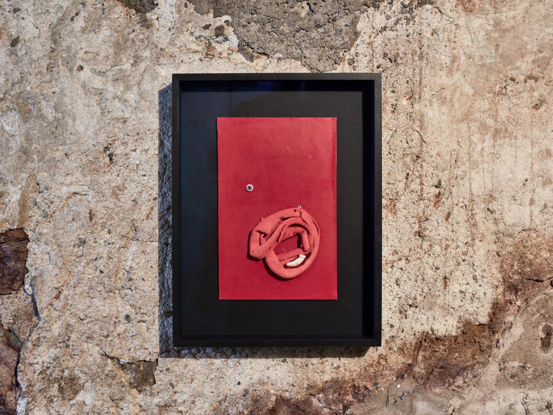 Exhibition View Vanessa Safavi Soloshow «Milch; view on Wir sind alle kleine dysfunktionale Monster, 2019» at Stalletta Madulain by Windhager von Kaenel / Photo: Philippe Hubler / Courtesy: the artist