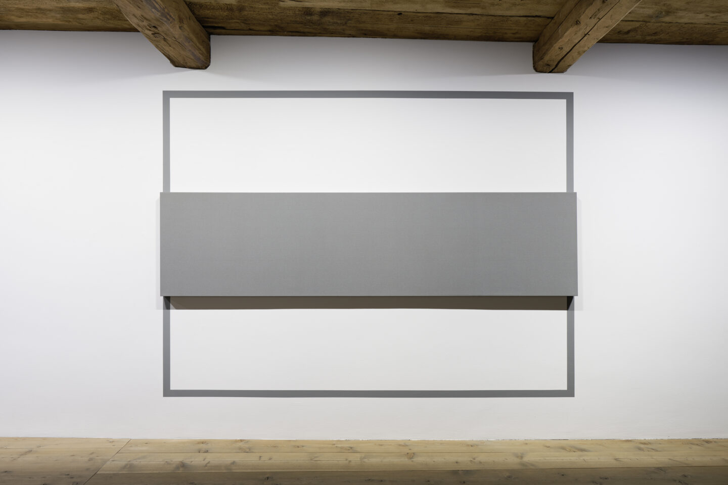 Exhibition View Alan Charlton Soloshow «It Started with a Chameleon; view on Outline Painting, 2004» at Galerie Tschudi, Zuoz, 2019 / Photo: Ralph Feiner, Malans / courtesy: the artist and Galerie Tschudi
