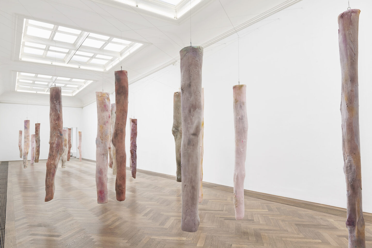 Exhibition View Kaari Upson Soloshow «Go Back the Way You Came; view on Mother's Legs, 2018–2019» at Kunsthalle Basel, Basel, 2019 / Photo: Philipp Hänger / Courtesy: the artist and Kunsthalle Basel