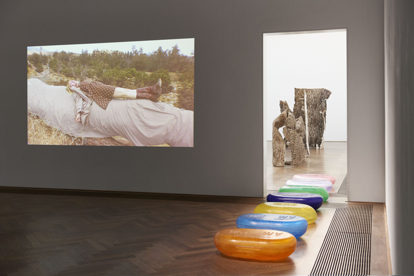 Exhibition View Kaari Upson Soloshow «Go Back the Way You Came» at Kunsthalle Basel, Basel, 2019 / Photo: Philipp Hänger / Courtesy: the artist and Kunsthalle Basel
