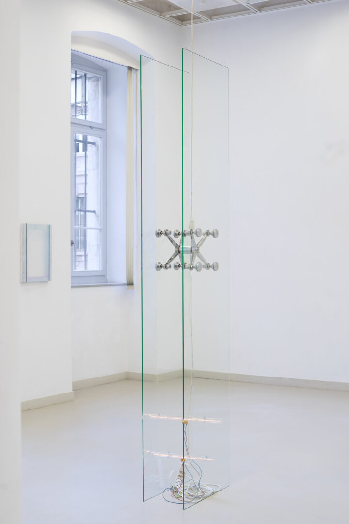 Exhibition View Manuel Burgener Soloshow «Disbelief; view on Untitled 1, 2019» at EAC Les Halles, Porrentruy, 2019 / Courtesy: the artist and EAC Les Halles