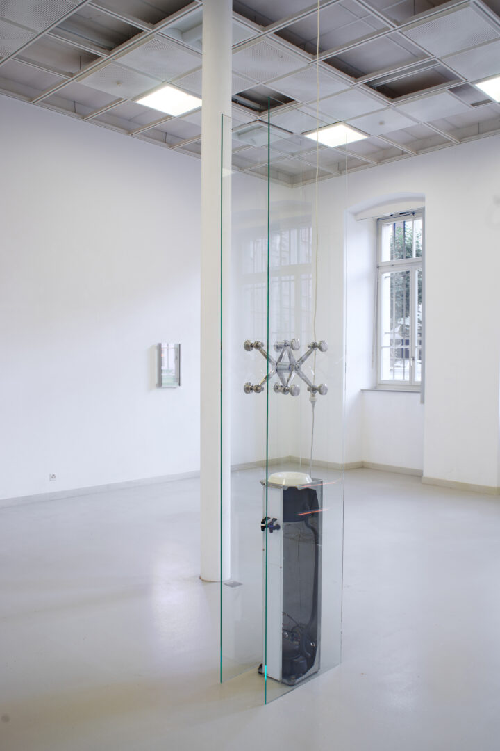 Exhibition View Manuel Burgener Soloshow «Disbelief; view on Untitled 2, 2019» at EAC Les Halles, Porrentruy, 2019 / Courtesy: the artist and EAC Les Halles