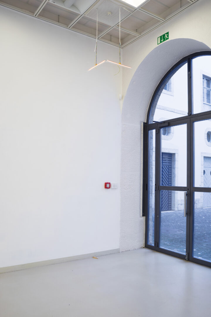 Exhibition View Manuel Burgener Soloshow «Disbelief; view on Untitled, 2019» at EAC Les Halles, Porrentruy, 2019 / Courtesy: the artist and EAC Les Halles