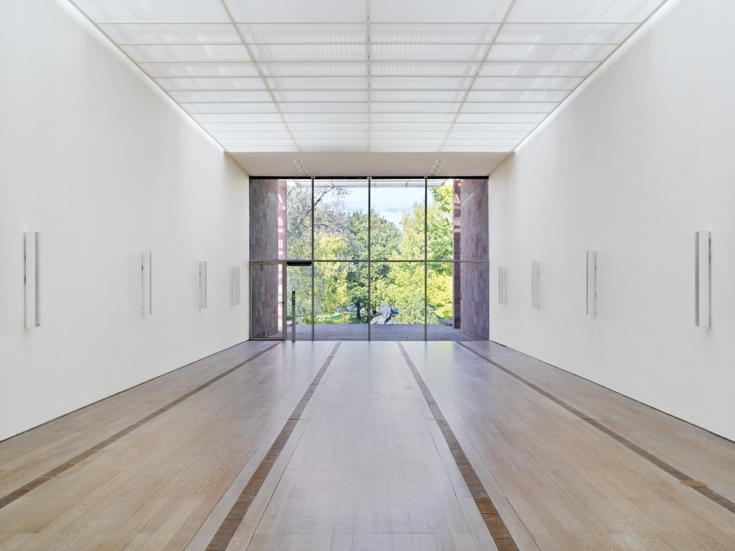 Exhibition View Groupshow «Resonating Spaces; view on Susan Philipsz» at Fondation Beyeler, Riehen, 2019 / Photo: Stefan Altenburger / Courtesy: the artist and Fondation Beyeler