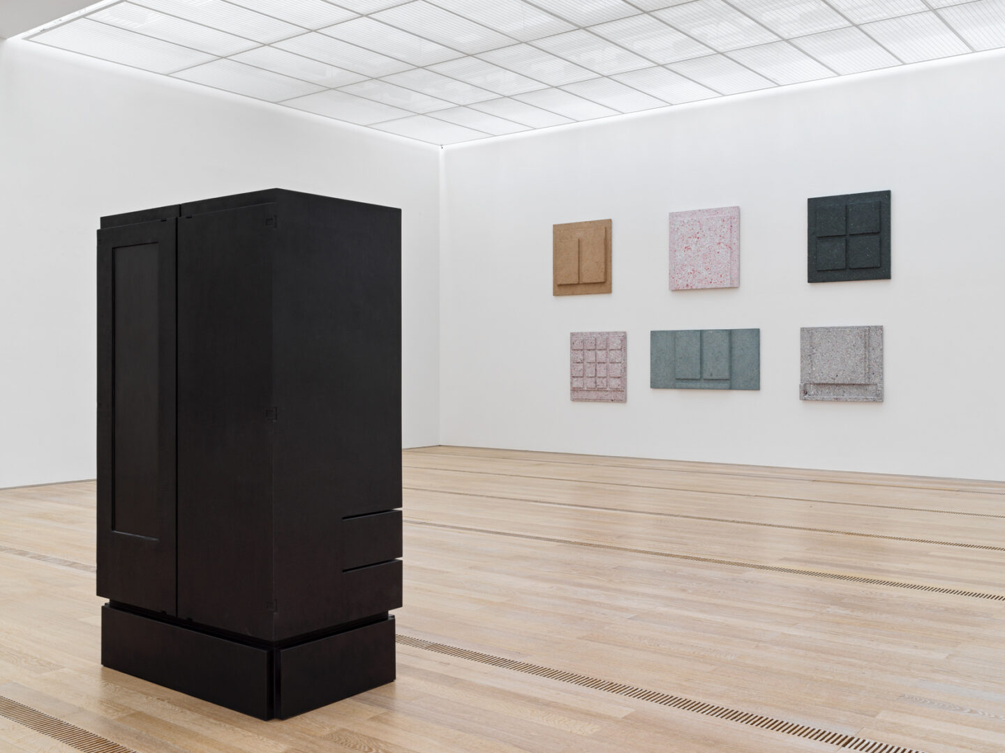 Exhibition View Groupshow «Resonating Spaces; view on Rachel Whiteread» at Fondation Beyeler, Riehen, 2019 / Photo: Stefan Altenburger / Courtesy: the artist and Fondation Beyeler
