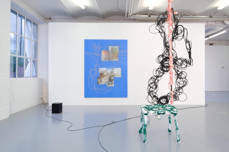 Exhibition View Julien Creuzet Soloshow «Il pleut encore, des minis gouttelettes (…)» at CAN, Neuchâtel, 2019 / Photo: Sebastian Verdon / Courtesy: the artist and CAN