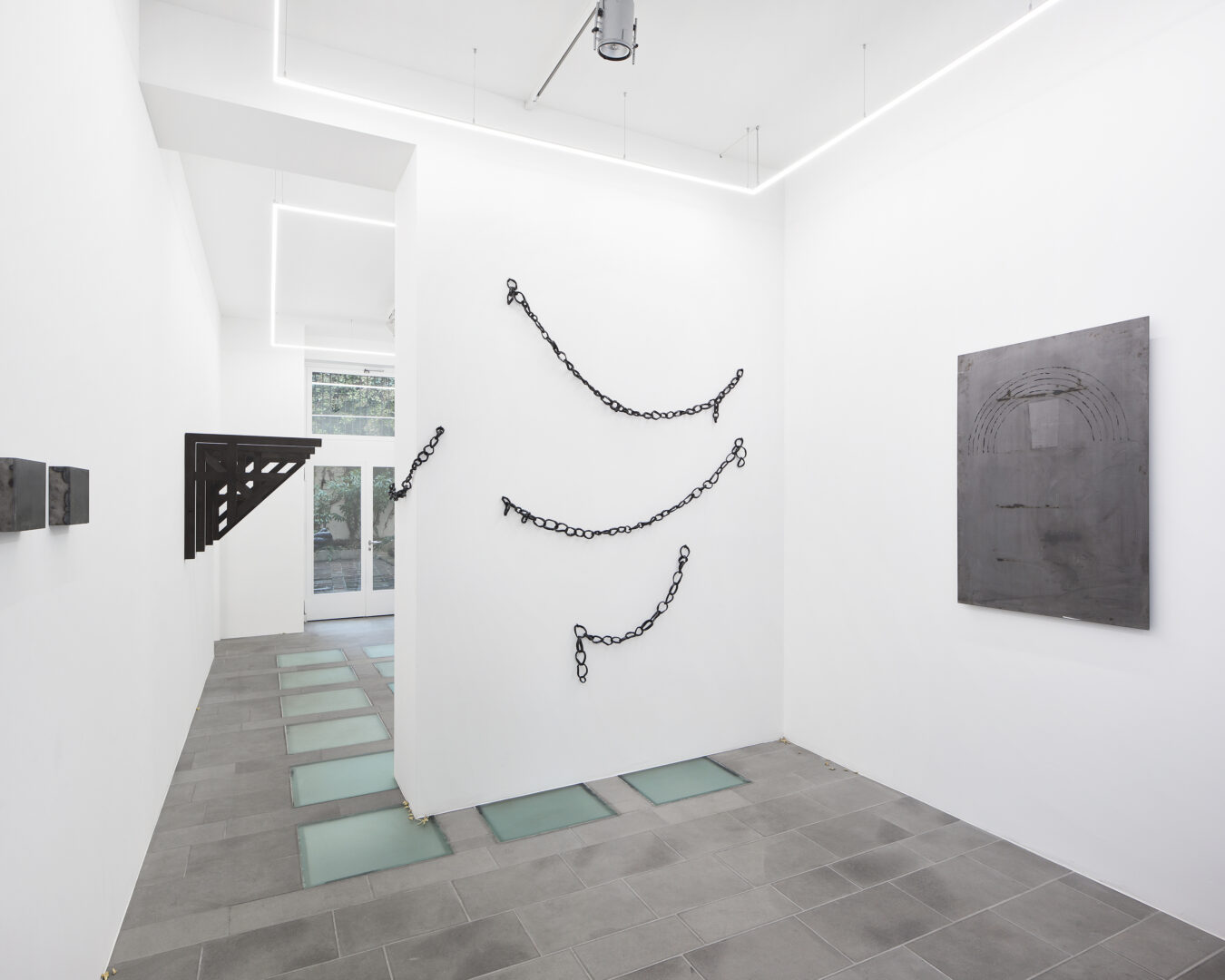 Exhibition View Marta Margnetti and Alfredo Aceto Groupshow at Galerie Lange + Pult, Zurich, 2019 / Photo: Sully Balmassière / Courtesy: the artist and Galerie Lange + Pult
