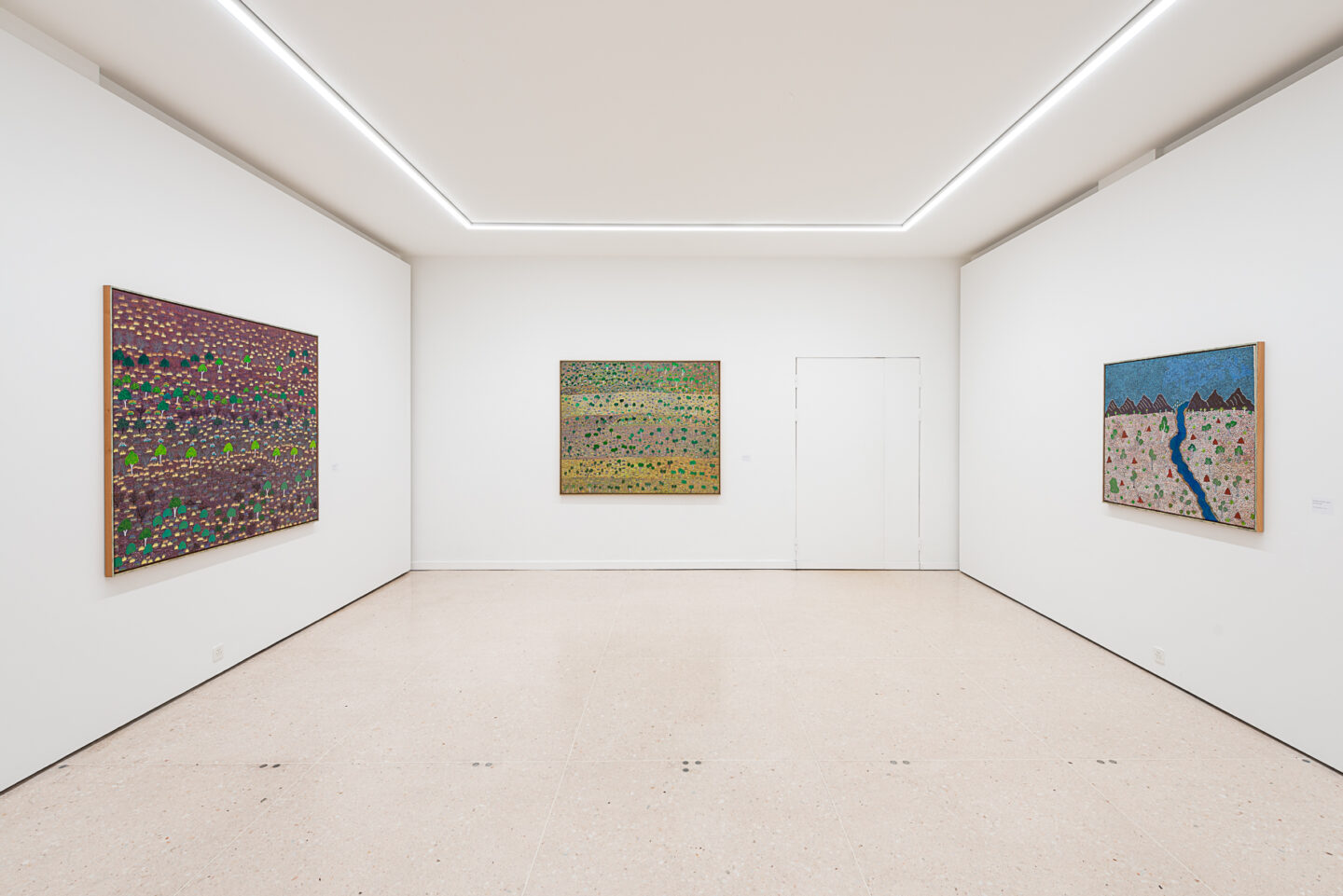 Exhibition View Groupshow «My Mothers Country; view on Michele Holmes Apwerl, Apmer Mwerranker, 2006; Lily Morton Akemarr, Ilwemp Ghost Gums, 2004; Rita Beasley Apetyarr, Holy River, 2003» at Kunsthaus Zug, Zug, 2019 / Photo: Jorit Aust / Courtesy: the artists, Collection Clement and Kunsthaus Zug