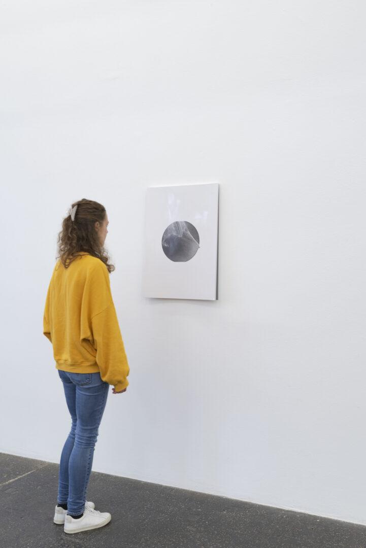 Exhibition View Aaron Flint Jamison Soloshow «Opportunity Zones; view on Untitled, 2019» at Kunst Halle Sankt Gallen, St. Gallen, 2019 / Photo: Sebastian Schaub / Courtesy: the artist and Kunst Halle Sankt Gallen
