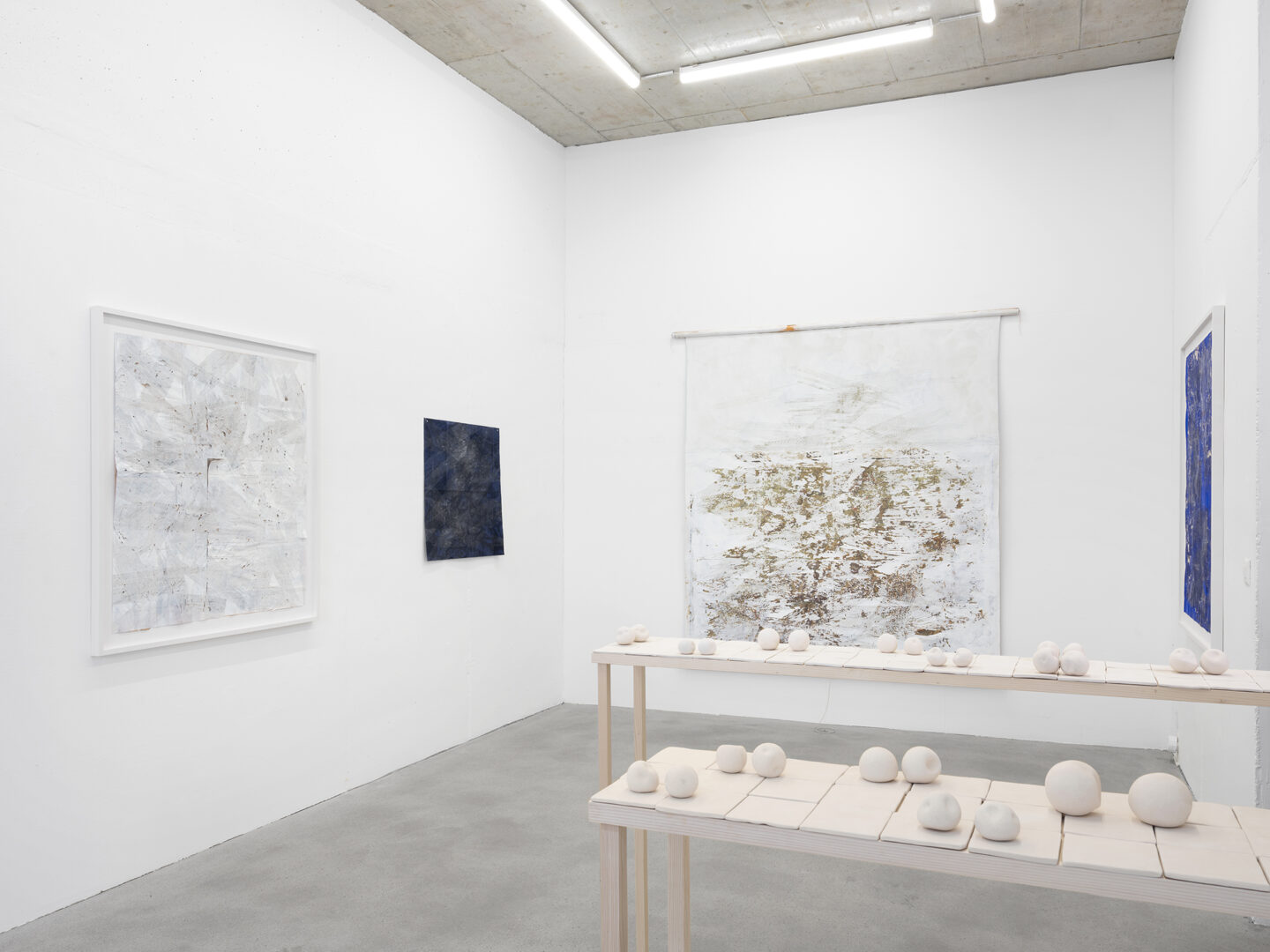 Exhibition View Sophie Bouvier Ausländer Soloshow «Words, Works, Worlds» at Galerie Heinzer Reszler, Lausanne, 2019 / Photo: Julien Gremaud / Courtesy: the artist and Galerie Heinzer Reszler