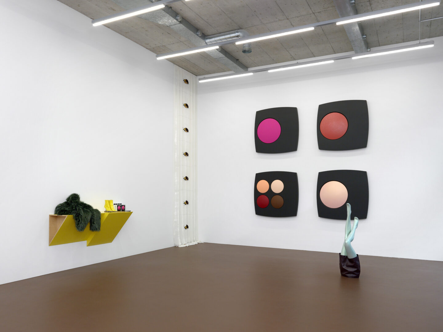 Exhibition View Sylvie Fleury Soloshow «JOY» at Karma International, Zurich, 2019 / Photo: Annik Wetter / Courtesy: the artist and Karma International