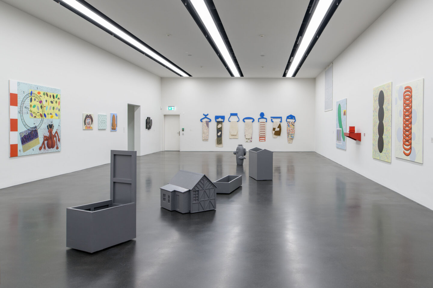 Exhibition View Fabian Peake Soloshow «A Swift at the Corner» at Kunstmuseum Luzern, Lucerne, 2019 / Photo: Marc Latzel / Courtesy: the artist and Kunstmuseum Luzern