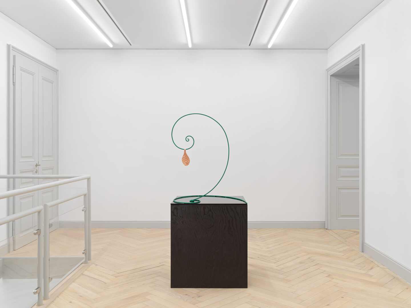 Exhibition View Valentin Carron Soloshow (view on The Last Leaf, 2020) at Galerie Eva Presenhuber, Rämistrasse, Zurich, 2020 / © Valentin Carron / Photo: Stefan Altenburger / Courtesy: the artist and Galeire Eva Presenhuber Zurich / New York