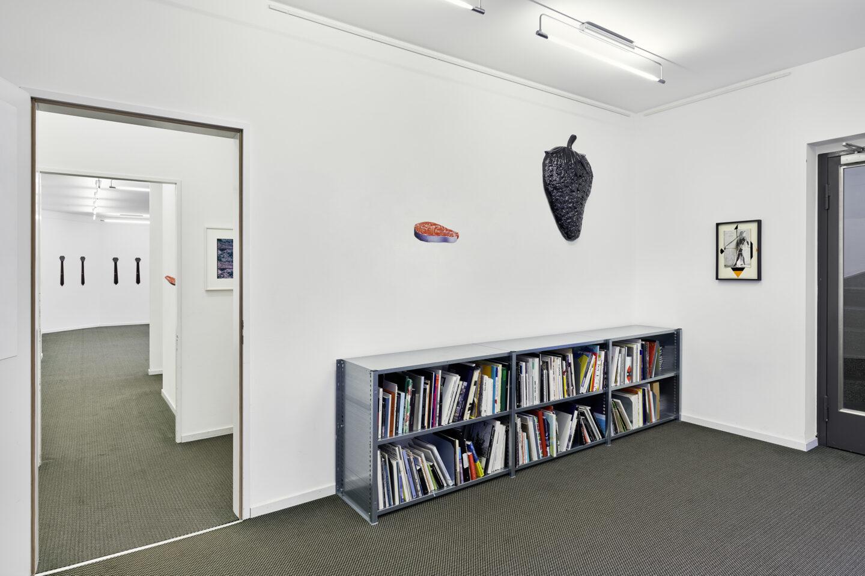 Exhibition View Groupshow «La metamorphose de l'art imprime» at VFO, Zurich, 2019 / Photo: Bernhard Strauss / Courtesy: the artist and VFO, Zurich