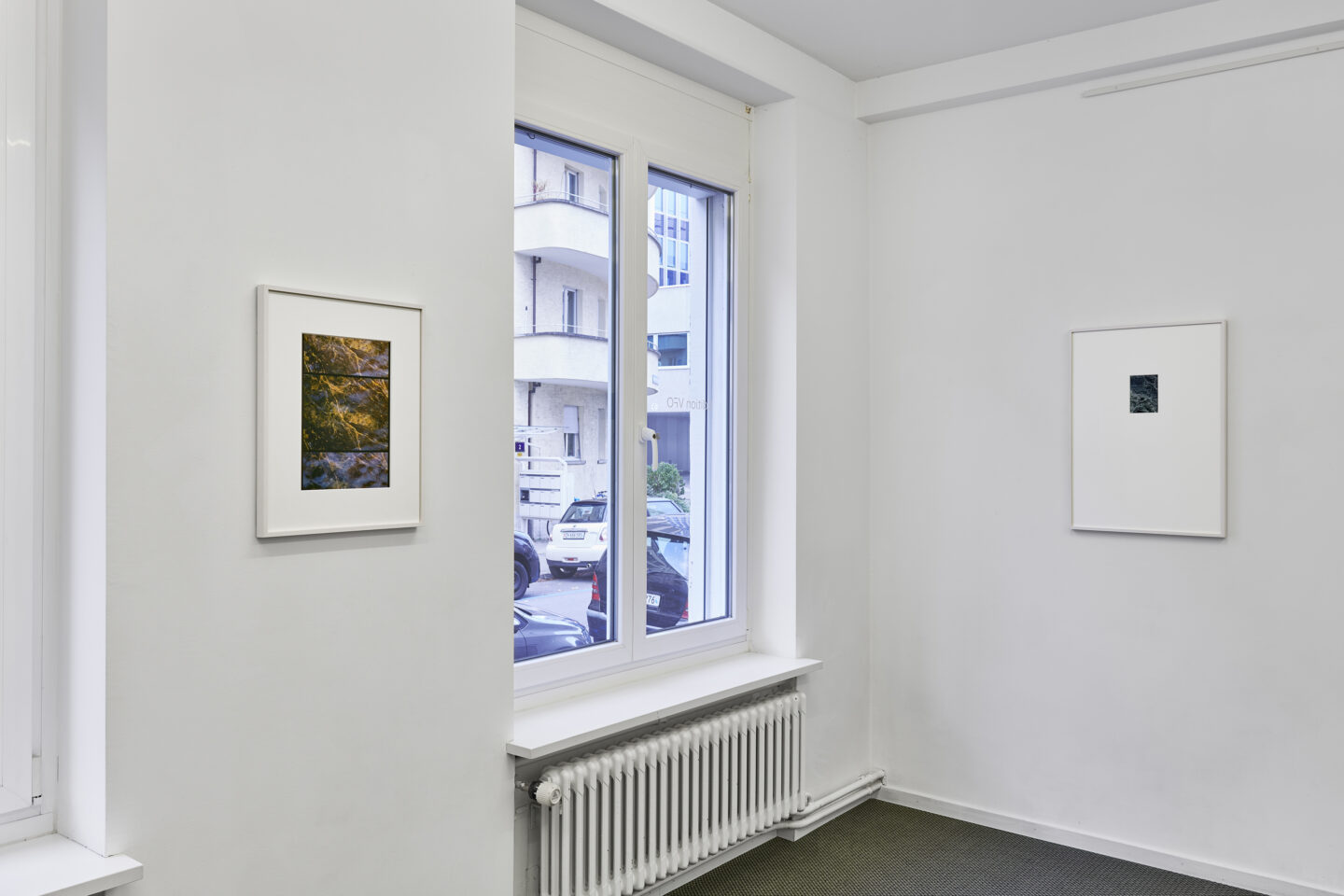 Exhibition View Groupshow «La metamorphose de l'art imprime; view on Philippe Decrauzat, Different time (Replica), 2019 and A frame in a frame in a frame (Replica), 2019» at VFO, Zurich, 2019 / Photo: Bernhard Strauss / Courtesy: the artist and VFO, Zurich